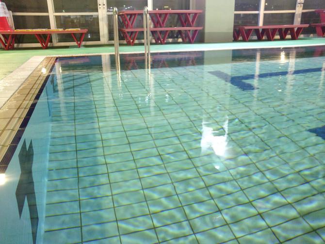 今日もプールで軽運動はいかがでしょう