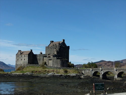 Ellean Donan Castle Dornie