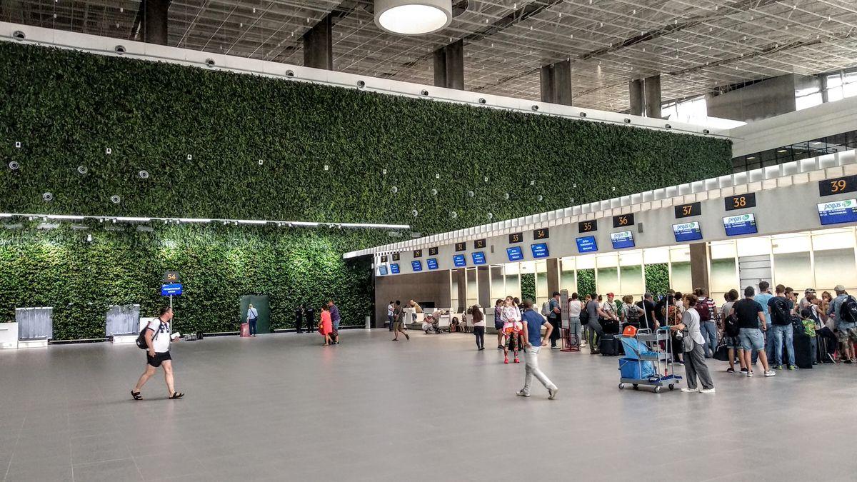 Новый аэропорт внутри