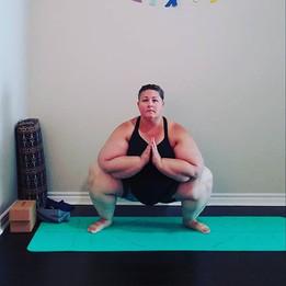 Yoga Squat_Garland (Malasana)