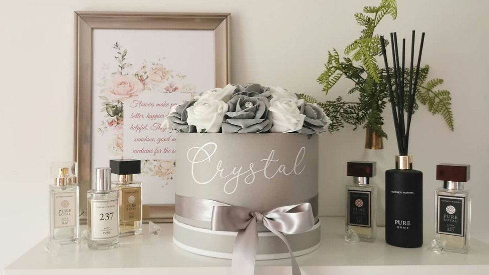 Domed Style rose hat box, personalised flowers in a box.