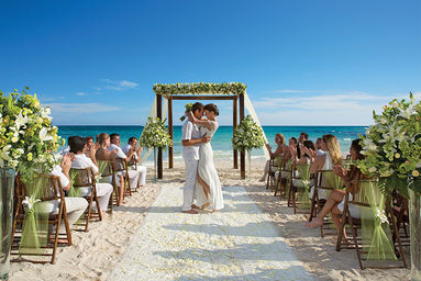 destination weddings why more brides and grooms are choosing to have one