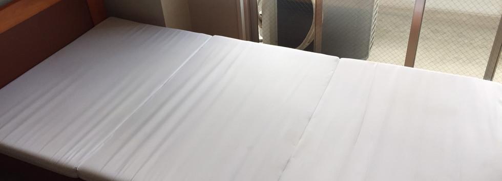 417号室_ベッド.jpg