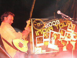Danny+John+-woa+records+india+tour.jpg