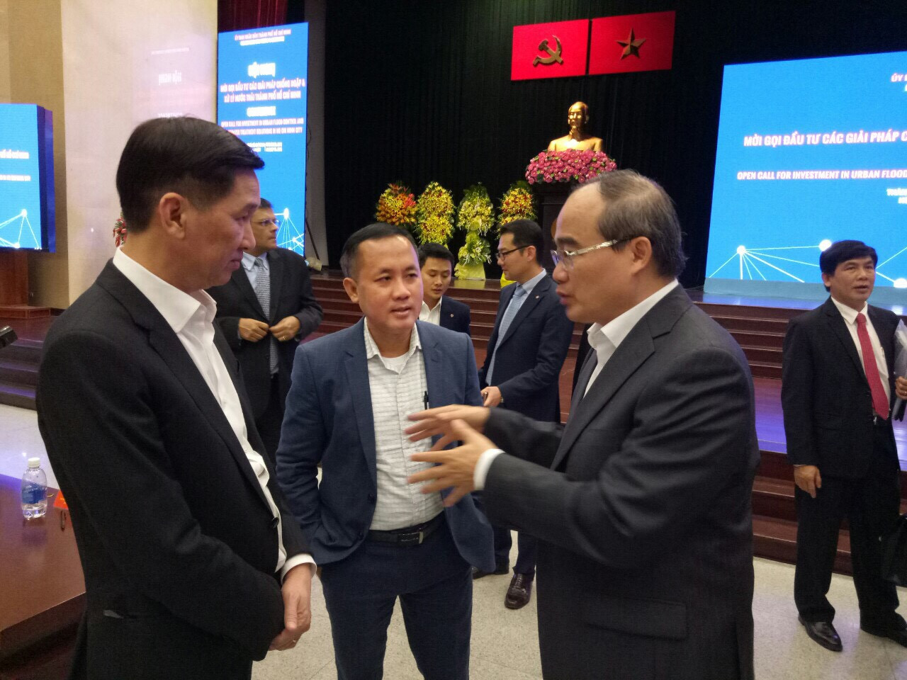 Bí thư Nguyễn Thiện Nhân ra chỉ đạo triển khai cho a. Tuyến pct UBND tại hội nghị Thành Ủy Tp.HCM