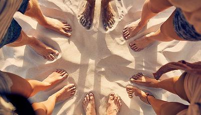 feet_in_sand_1200px.jpg