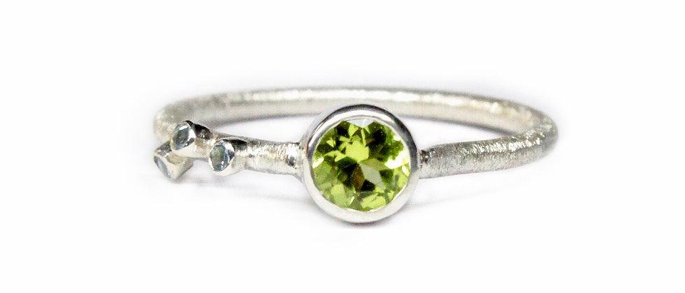 Peridot and Aquamarine ring