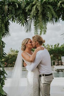 tropical leaf wedding decor