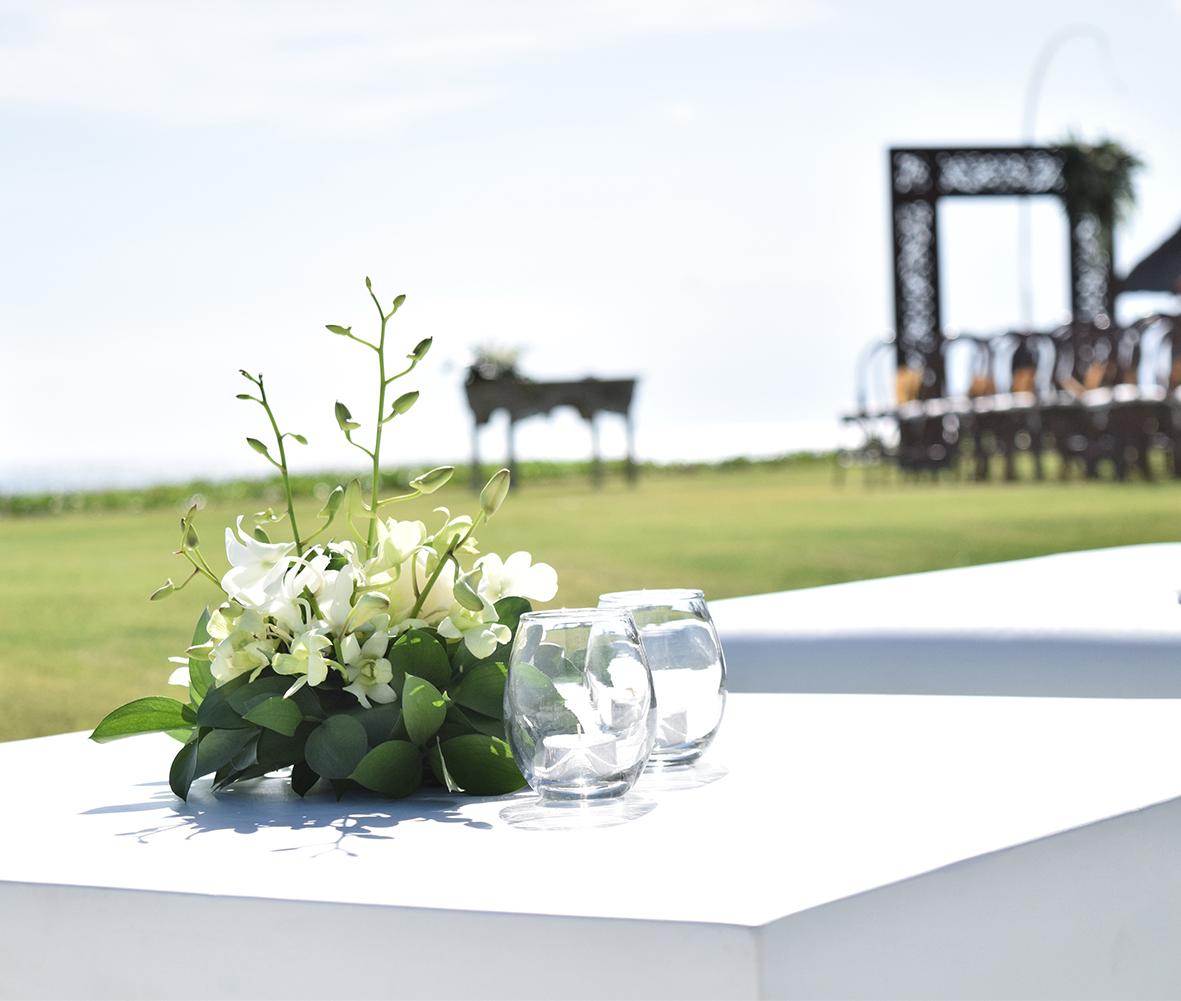 wedding cocktail table decor