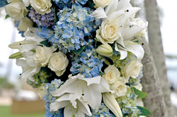 white-blue wedding flowers