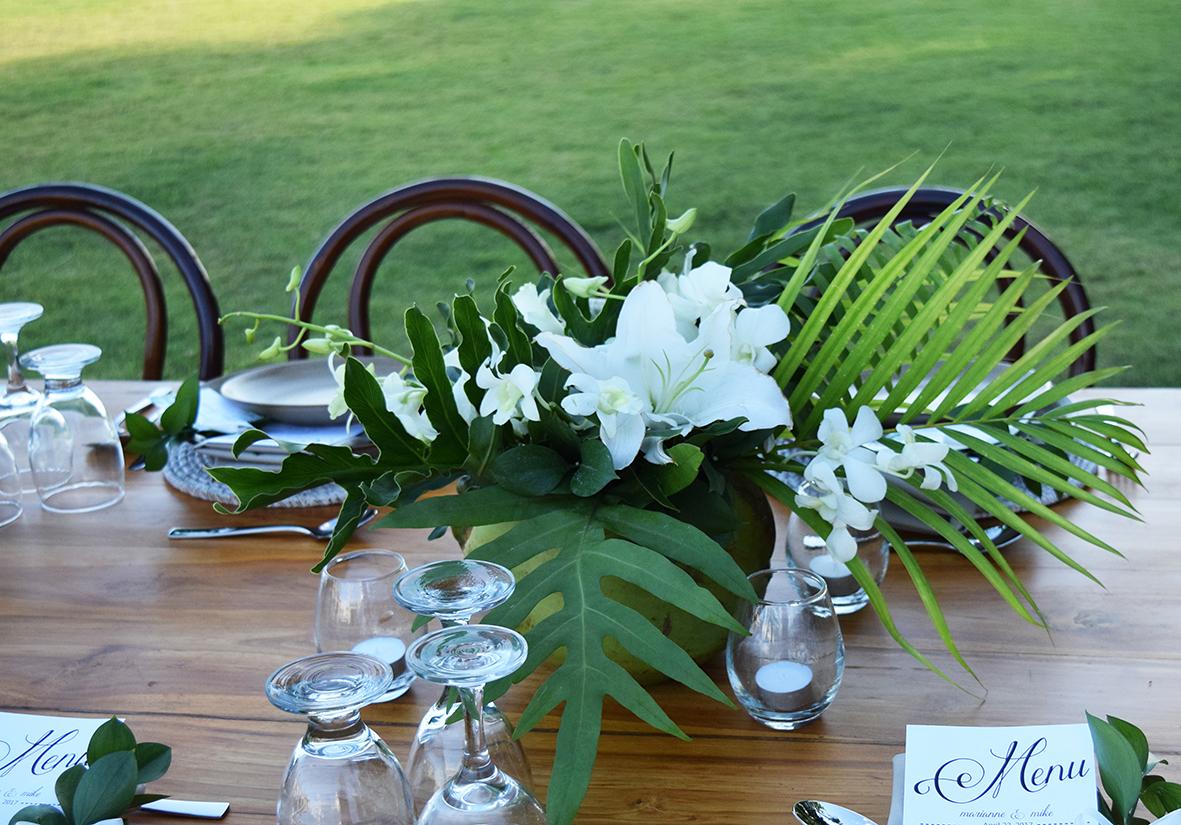 tropical wedding table in Bali