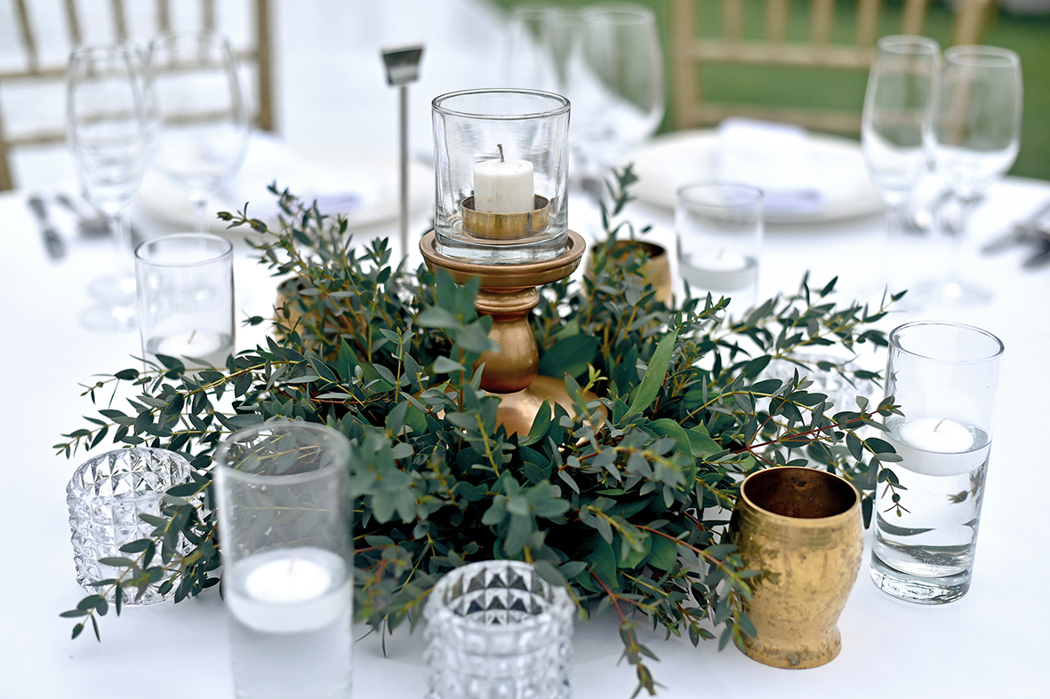 green-gold wedding table