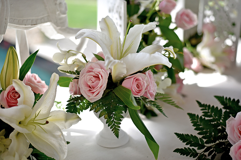 white-pink wedding decoration
