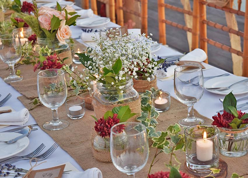 rustic style wedding table