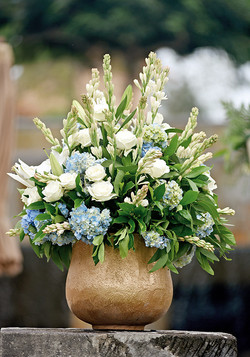 blue-white flower arrangment