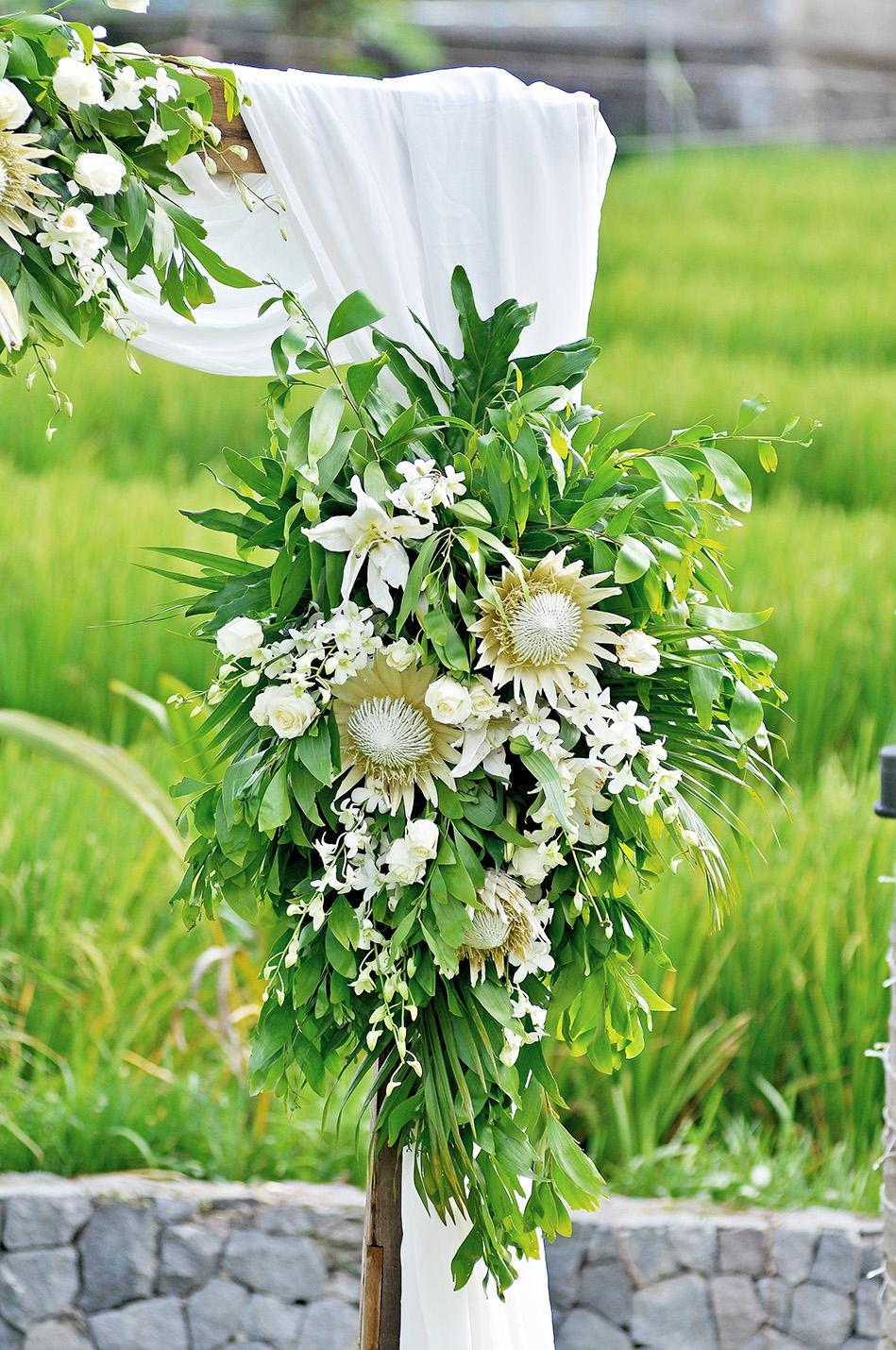 tropical wedding decoration