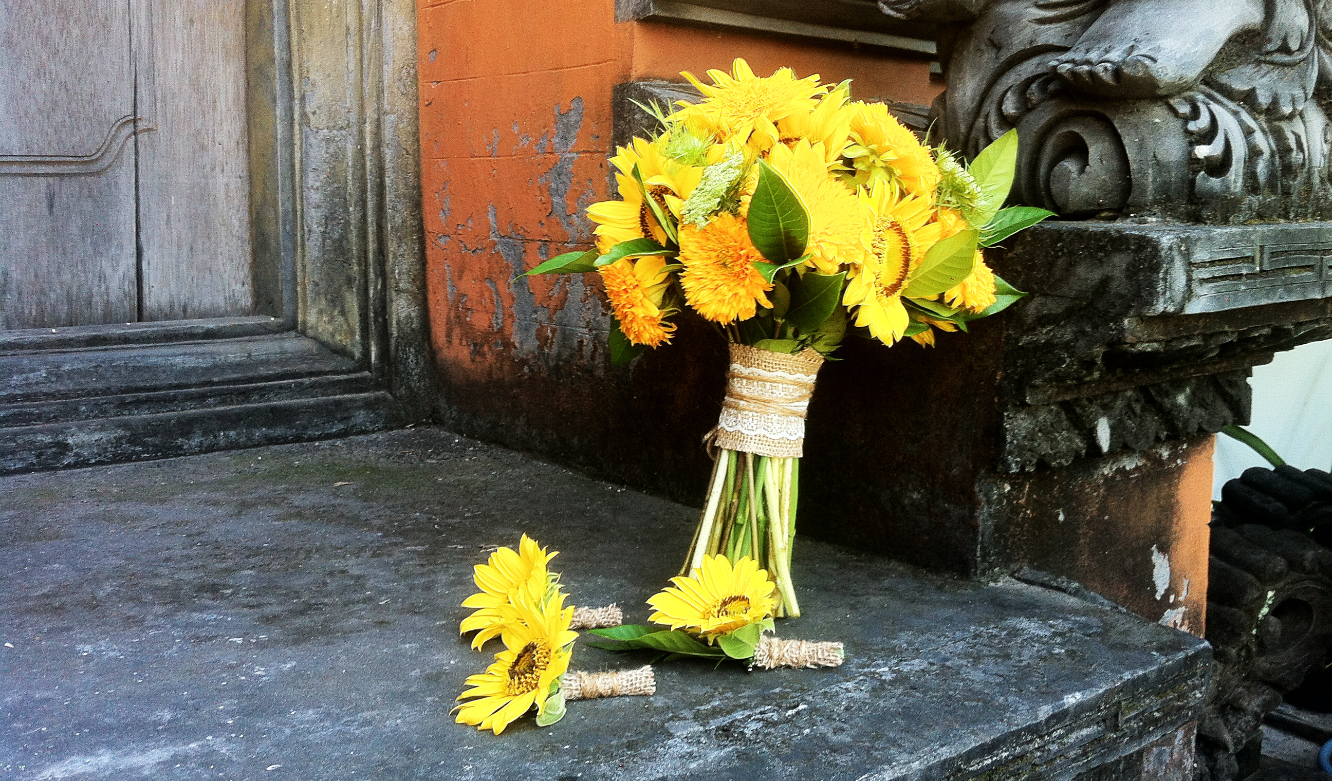 yellow wedding bouquet bali