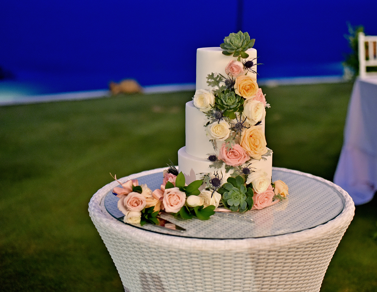 wedding cake flowers bali