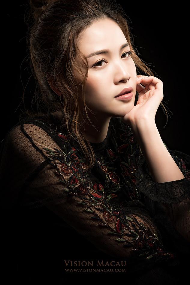 Mia Lok