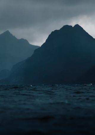Mountains-Loch-Skye.jpg