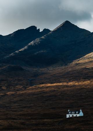 Cottage-Mountains-Scotland.jpg