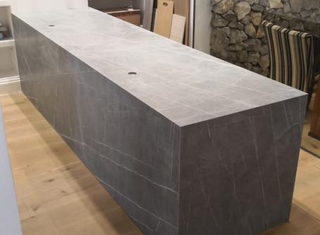 Neolith Zaha Stone en la mesa de trabajo....