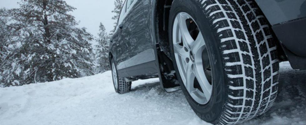 Ensemble de roues et pneus d'hiver