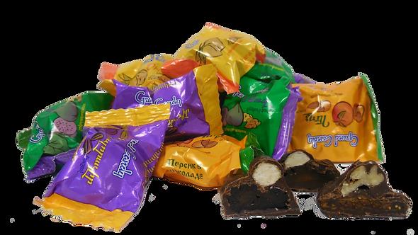 Конфеты сухофрукты с орехами в шоколаде 1кг.