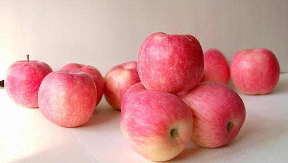 Яблоки Фуджи, 1 кг.