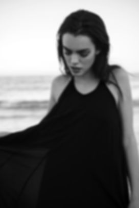beach-portrait-blackandwhite-bnw-model-m