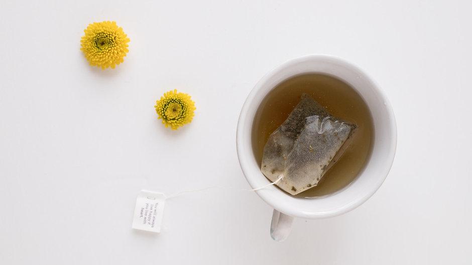 Tea%20and%20flowers_edited.jpg
