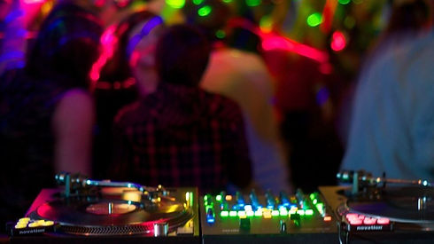 Dj mixer and turntables