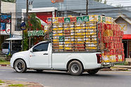 Truck Self-distributing goods