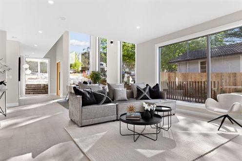 16-Living Room.jpg