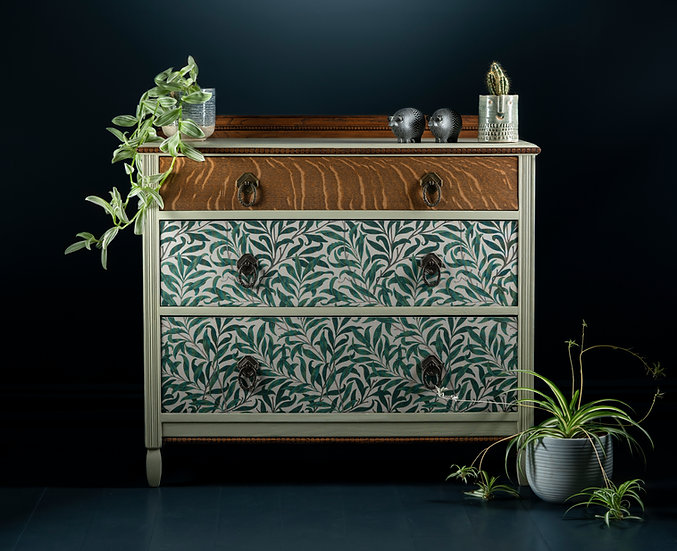 Beautiful re-finished oak 19th century chest of drawers, painted in earthy neutral colours with wood and fabric accents