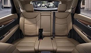 2018 XT5 interior 315x185 005.jpg