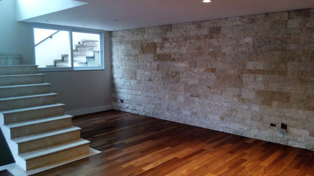 Refordec_Escada e piso de madeira