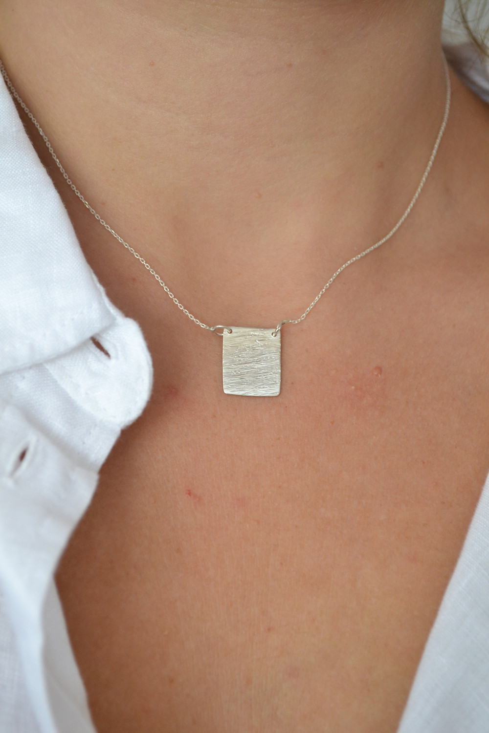 hammered silver textured girls womens ladies necklace