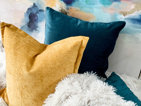 How to Pick the Perfect Throw Pillow