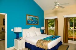 1BR Suite Deluxe Bed