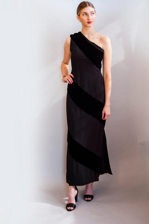 Carolyne Roehm Single Shoulder Gown