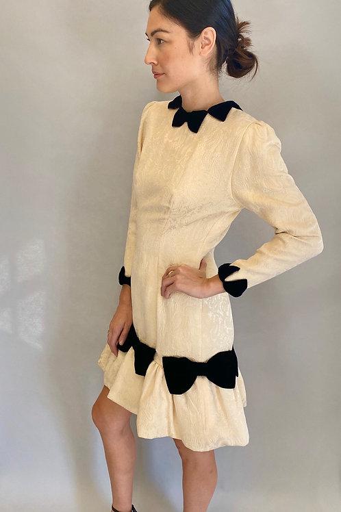 1980's Silk Jaquard Paisley Print White Cocktail Dress with Black Velvet Bows