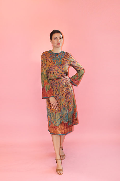 Amen Wardy Silk Skirt & Blouse Set With Embroidered/Quilted Hem