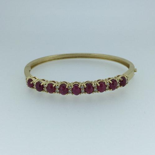 14K Gold Bracelet/w Cabouchon Rubies/Diamonds