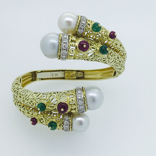 Unusual Gold Bracelet w South Sea Pearls