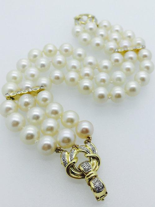 Freshwater Pearl Bracelet/w Gold Clasp & Diamonds