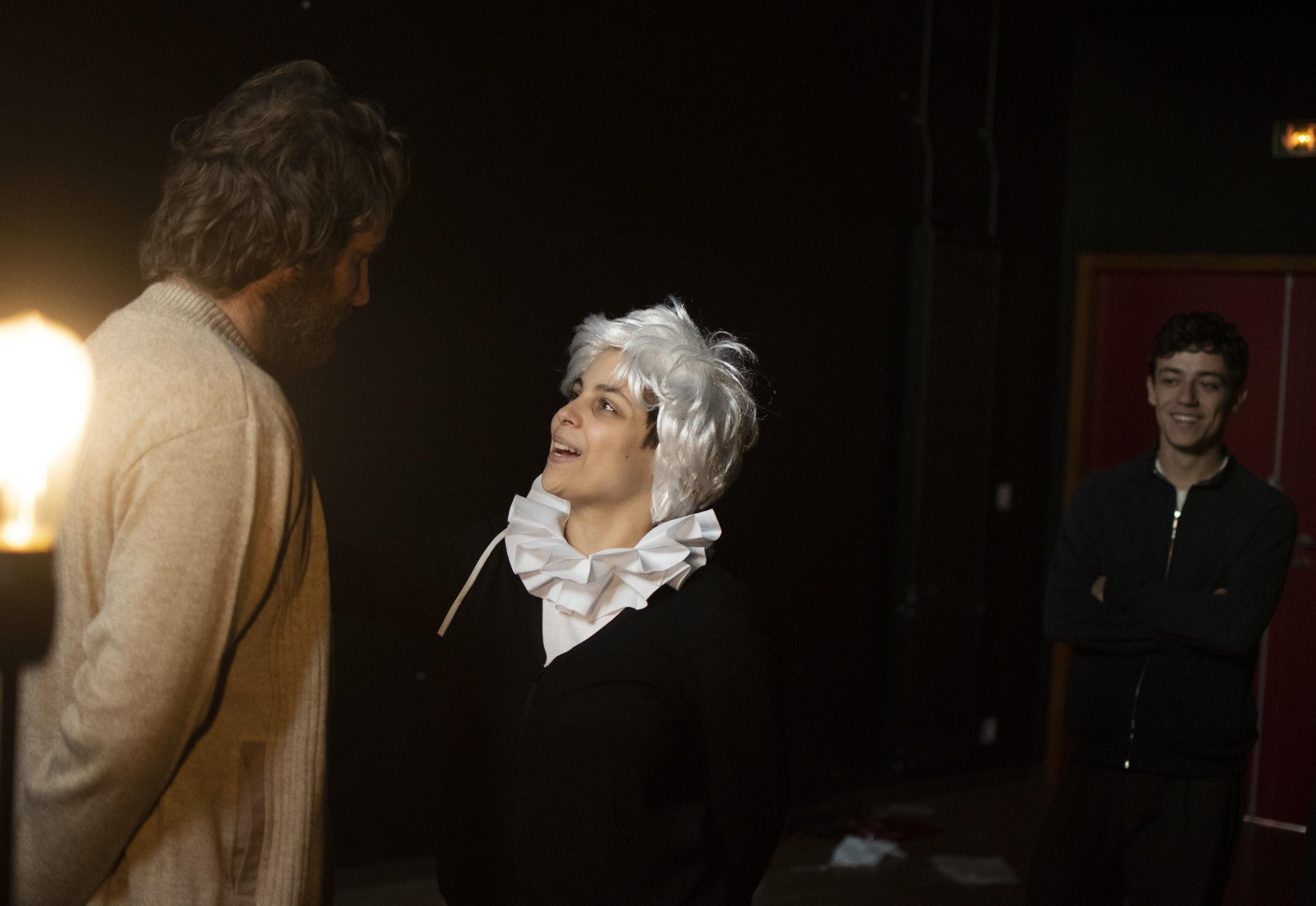 Joanny, Don Ruy Gomez admire Hugo
