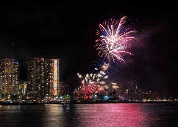Beautiful fireworks at Magic Island