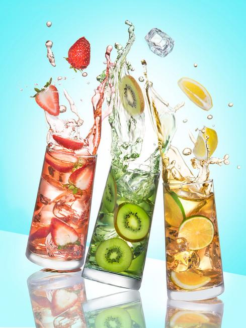 3 Fruit Tea in glass and splash