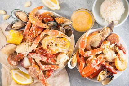 Combo Snow Crab Legs (Garlic Butter), hawaii food & drink photography